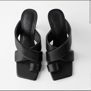 NEW 🙌 Cross Strap Heeled Leather Slide